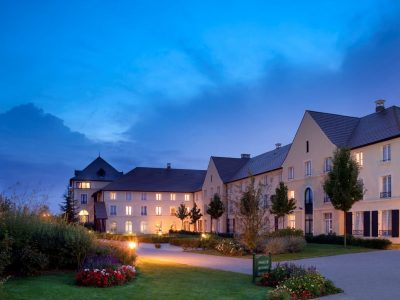 Busreis magisch voordeel - Hotel Campanile Val de France***