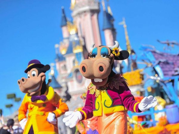 Disneyland-parijs-parades-in-disneyland-paris